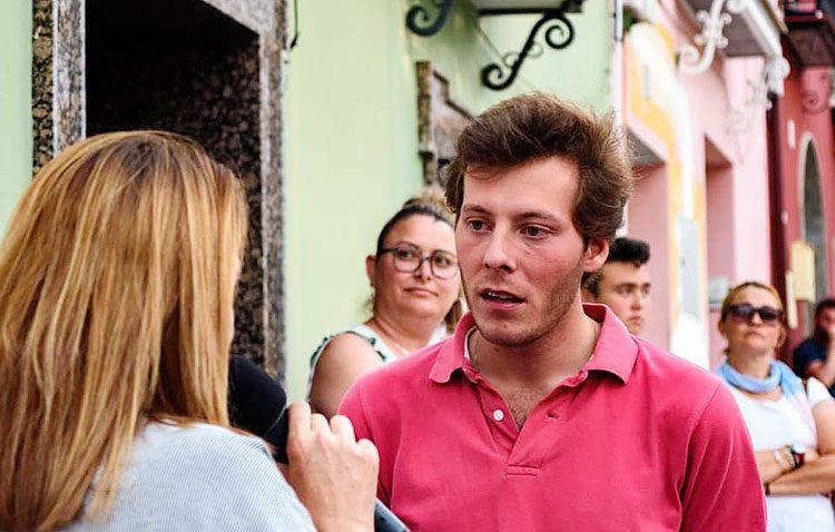 Investigan el accidente sufrido por el alcalde de Los Molares tras salir disparada una rueda de su coche (VÍDEO)