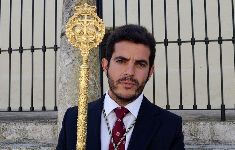Miguel Ángel Falcón, nuevo hermano mayor de la Quinta Angustia tras el fallecimiento de Emilio Alfaya