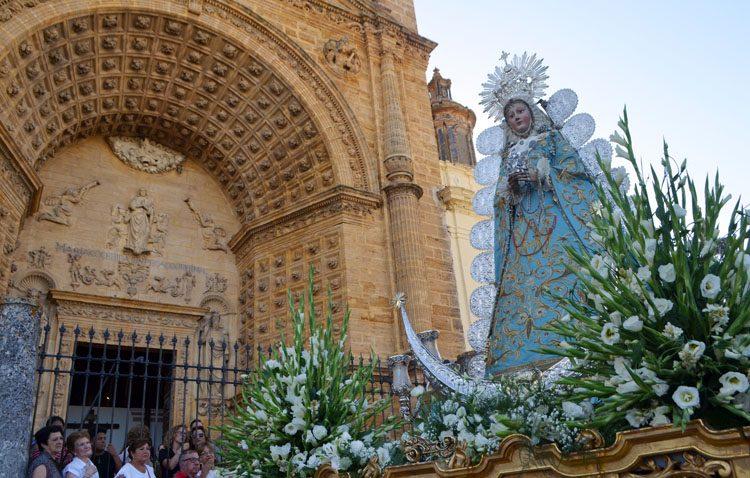 Aires clásicos en Utrera en torno a la Virgen de la Mesa (GALERÍA)