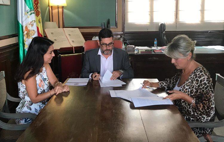 Un convenio municipal con 5.000 euros a beneficio de la asociación de familiares de enfermos de Alzheimer