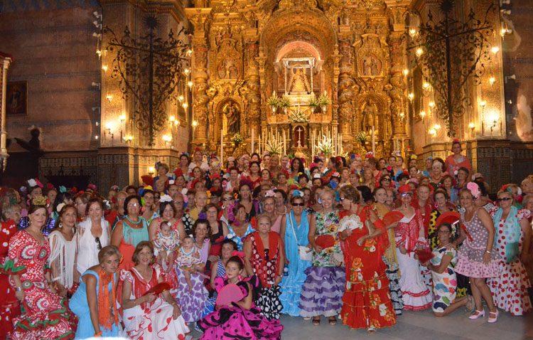«Amigas del Casino» organiza su segundo encuentro de mujeres vestidas de flamenca