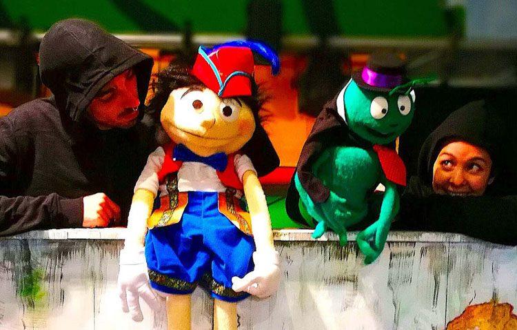 Tarde de espectáculo infantil en la caseta municipal