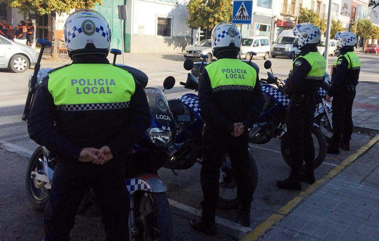 Un altercado en un bar, un patinete a gran velocidad, y jóvenes con drogas y arma blanca, entre las actuaciones de la Policía Local de Utrera