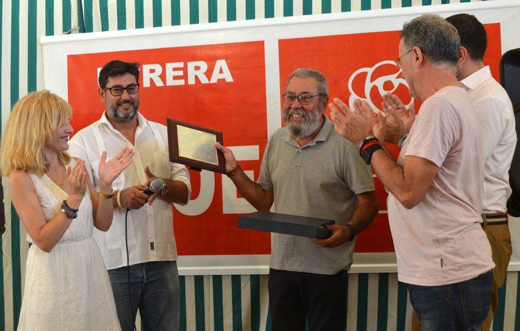 Tributo del PSOE de Utrera al exsecretario general de UGT, Cándido Méndez, por su «defensa de la clase trabajadora»