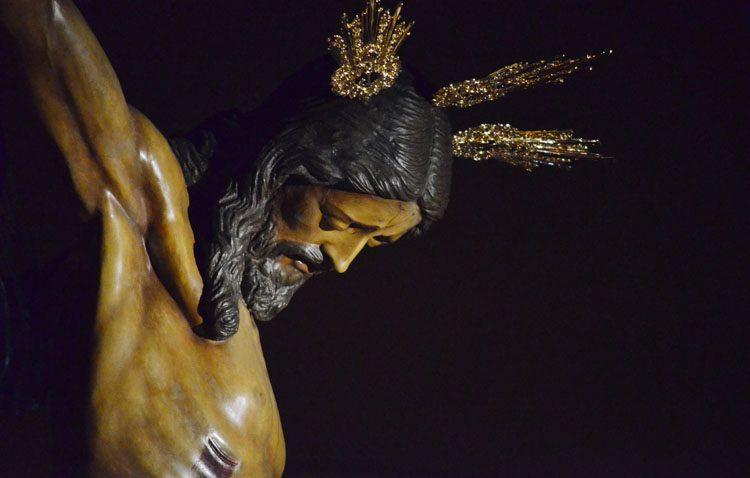 Tarde de vía crucis del Consejo de Hermandades en Utrera, con la imagen del Cristo del Amor