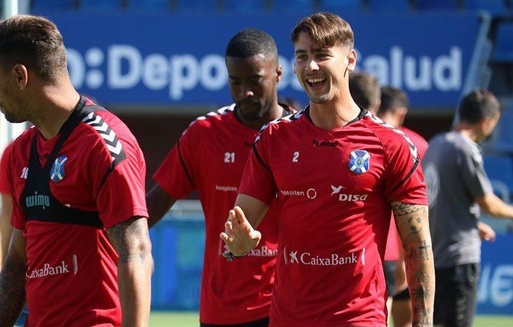 El futbolista Luis Pérez, un utrerano que despunta en Tenerife