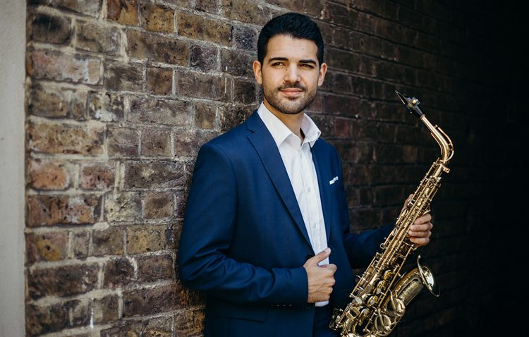 El saxofonista utrerano Manu Brazo interpretará «La Traviata» en el Royal Albert Hall de Londres
