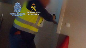 Así fue la espectacular operación contra el narcotráfico desarrollada en El Palmar de Troya (VÍDEO)