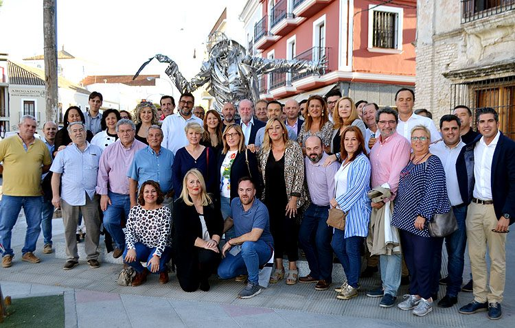 El PSOE da el pistoletazo a la campaña electoral con una reunión de 25 agrupaciones de la provincia en Utrera