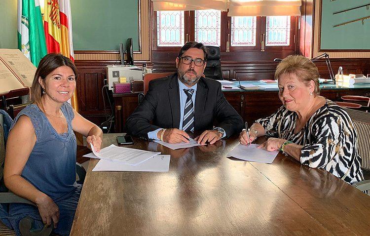 Un convenio municipal con el Hogar del Pensionista de Trajano permitirá la realización de numerosas actividades