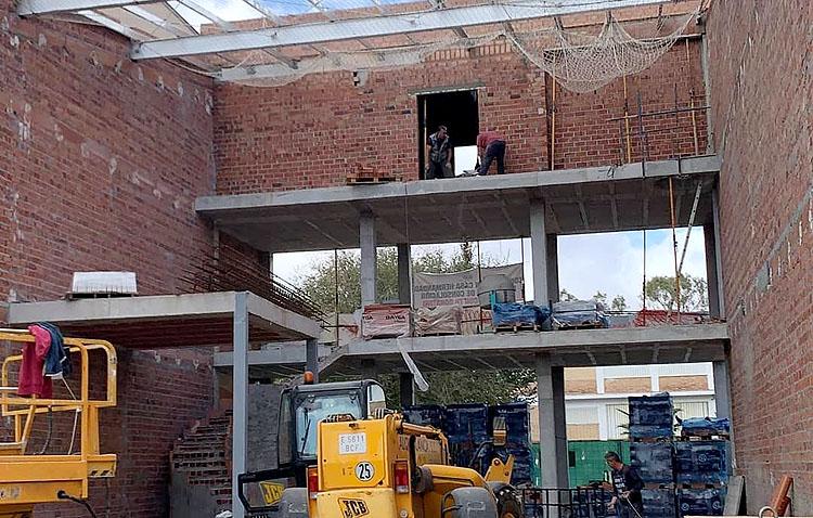 Los Muchachos de Consolación «ponen a la venta» los ladrillos y la fachada de su nueva casa-hermandad