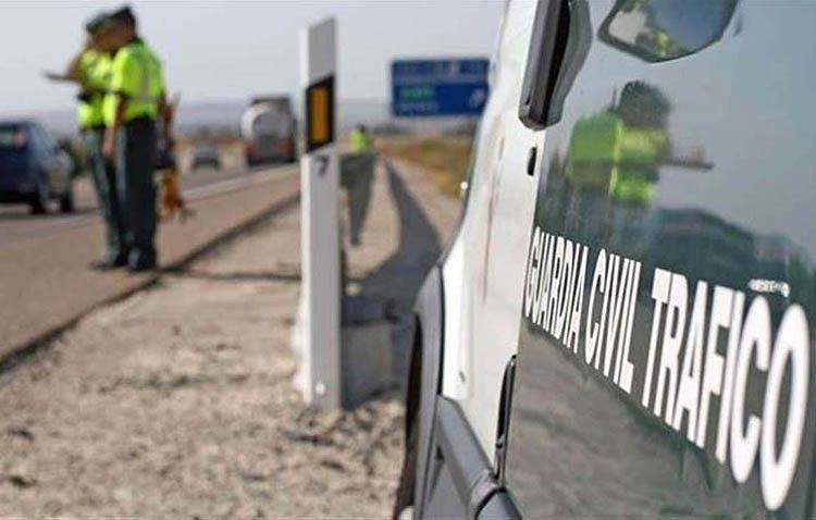 Fallece un motorista tras salirse de la carretera en la autovía Sevilla-Utrera