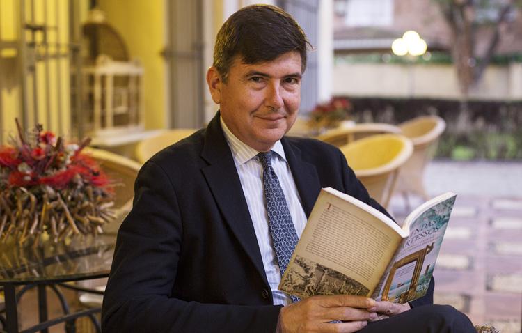 El exministro Manuel Pimentel, protagonista en el programa «La punta del iceberg» que emite COPE Utrera (98.1 FM)