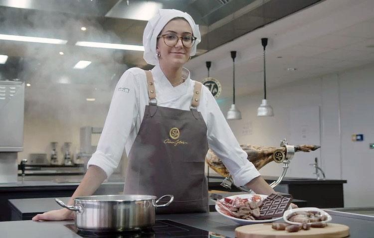 Una joven cocinera de Utrera, finalista de un concurso en el prestigioso Basque Culinary Center (VÍDEO)