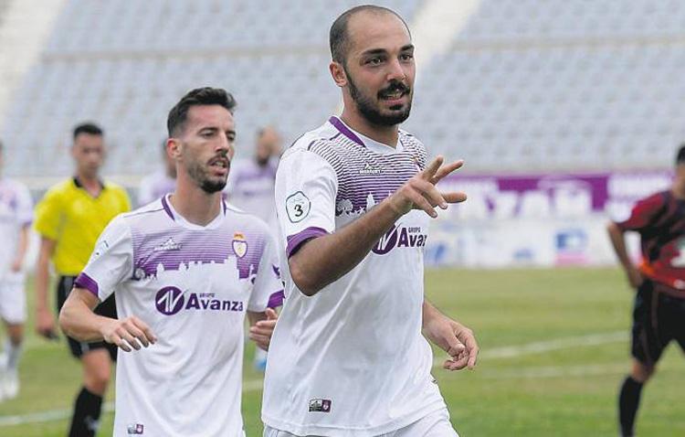 Plusco regresa a un Club Deportivo Utrera en el que no descartan más cambios