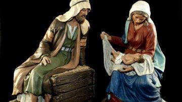 Los autores del nacimiento robado en el castillo donarán uno igual a la asociación de belenistas de Utrera