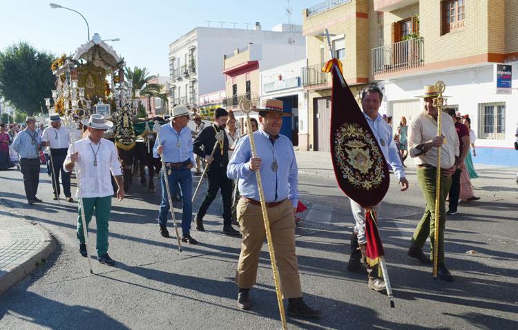 El simpecado de Linares hará en 2021 el camino del Rocío con Utrera tras la suspensión de la romería este año