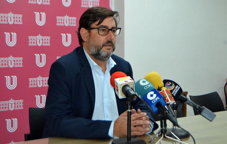 El alcalde de Utrera pide a la Junta de Andalucía «que tome medidas, pero no drásticas», para hacer bajar los contagios