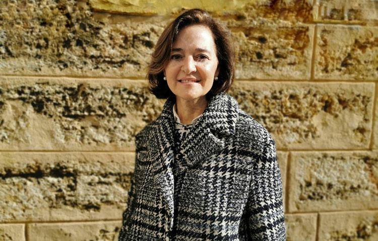 María Luisa Rodríguez, presentadora del pregonero de la Semana Santa de Utrera en 2020