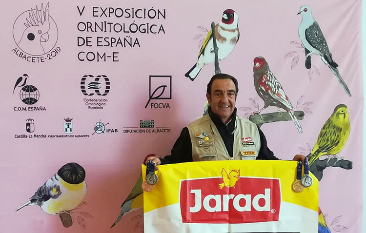 Un utrerano revalida por sexto año el título de campeón de España en un certamen de ornitología