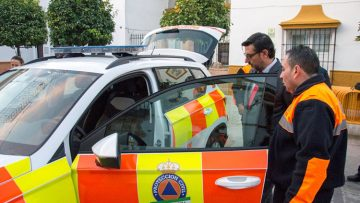 Protección Civil de Utrera estrena vehículo en su 40º aniversario