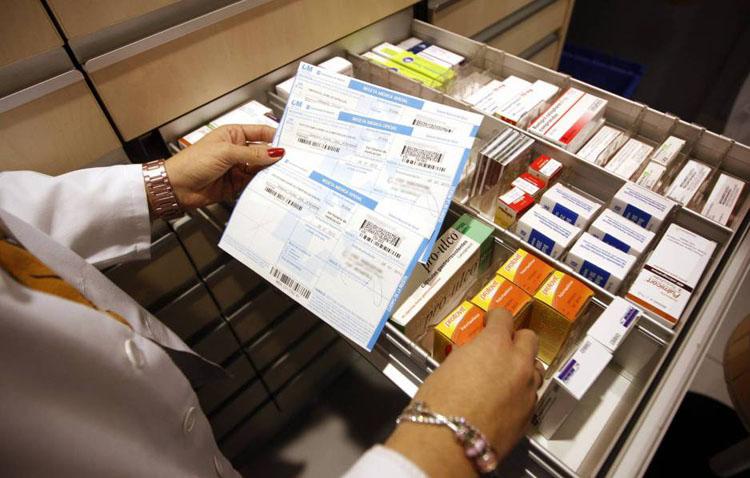 Piden cuatro años y medio de cárcel para un enfermero de Utrera acusado de robar 200 recetas para obtener anabolizantes