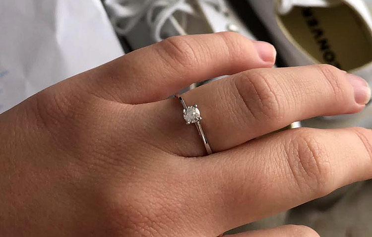 Pierde un anillo por las calles de Utrera y lo recupera gracias a las redes sociales