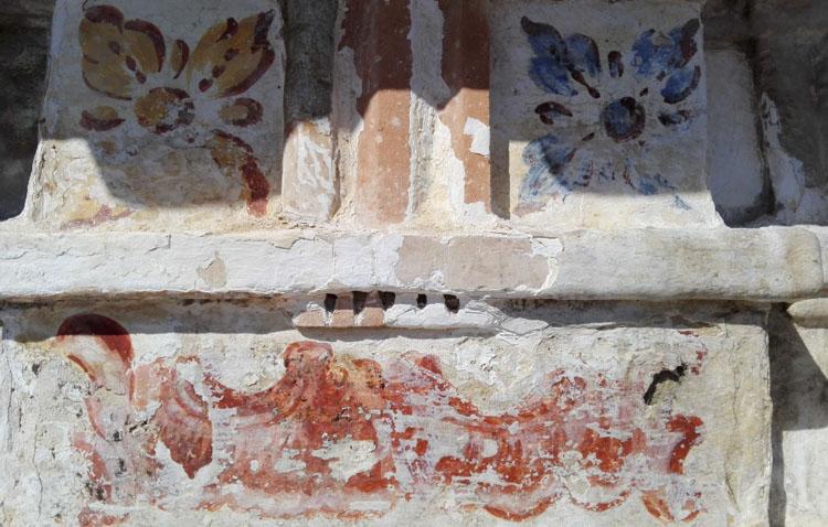 Un proyecto de restauración para actuar ante el «muy deficiente» estado de la fachada de la Casa Surga (IMÁGENES)