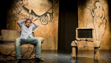 «El cavernícola» llega a Utrera de la mano del actor Nancho Novo