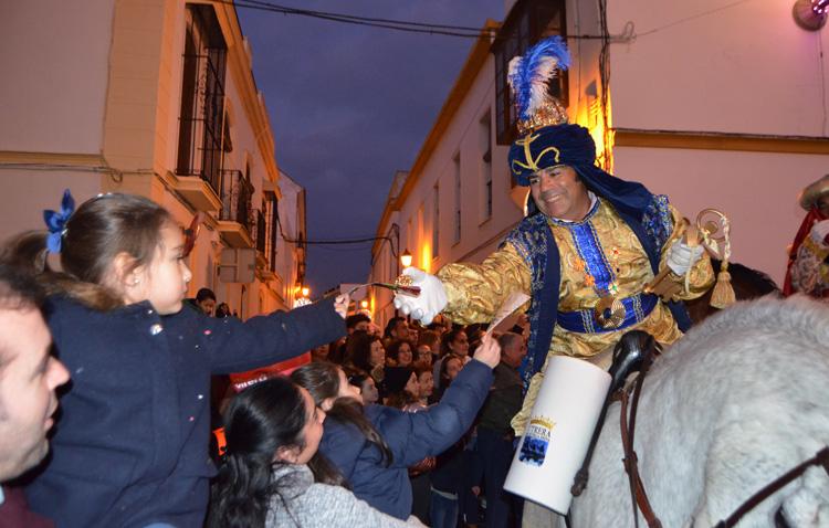 El Heraldo Real adelanta en Utrera la ilusión de los Reyes Magos (VÍDEO Y GALERÍA)