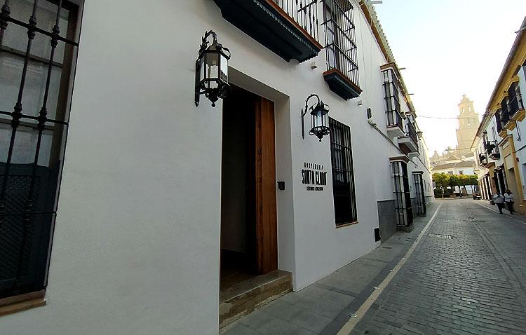 Utrera estrena un nuevo establecimiento hotelero en la calle Catalina de Perea