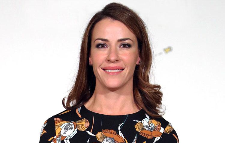 La ex Miss España, empresaria y escritora Inés Sainz visita «La punta del iceberg» en COPE Utrera (98.1 FM)