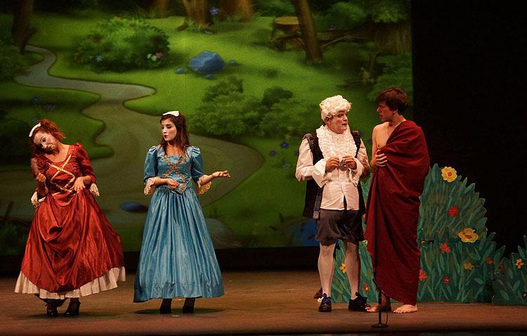 Doble función de Guate Teatro a beneficio del colegio Sagrada Familia