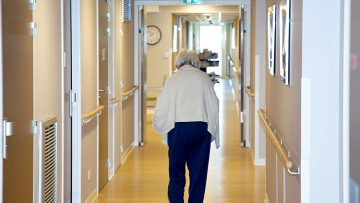 Casi 6.000 firmas reclaman una residencia pública para personas mayores en Utrera