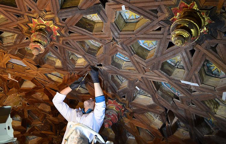 COPE Utrera (98.1 FM) ofrecerá en directo la histórica misa de reestreno del retablo de Consolación