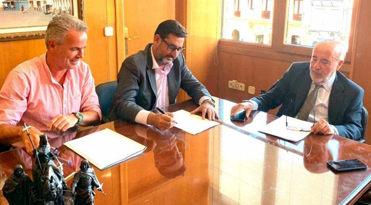 Juntos por Utrera defiende que el ministerio de Justicia «reconoce que el notario José Montoro no puede firmar las escrituras de compra de los cines»