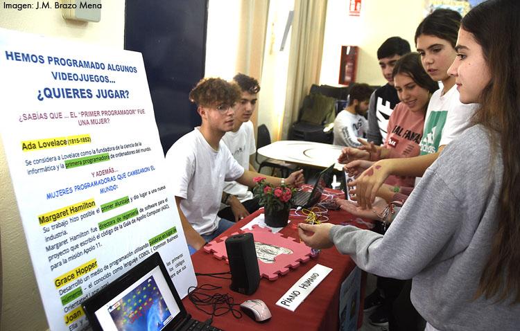 Arranca el programa del cincuentenario del instituto Virgen de Consolación con una exposición sobre mujeres científicas