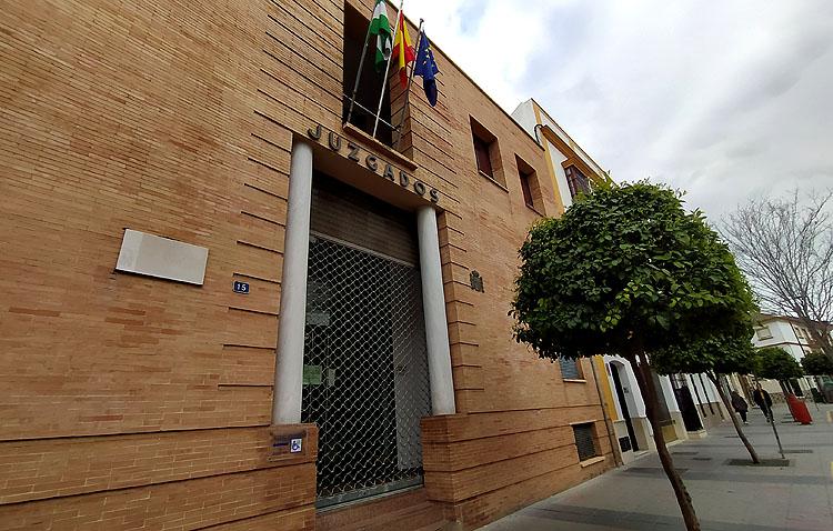 La Junta de Andalucía refuerza el plan de choque en los juzgados de Utrera para paliar el retraso judicial