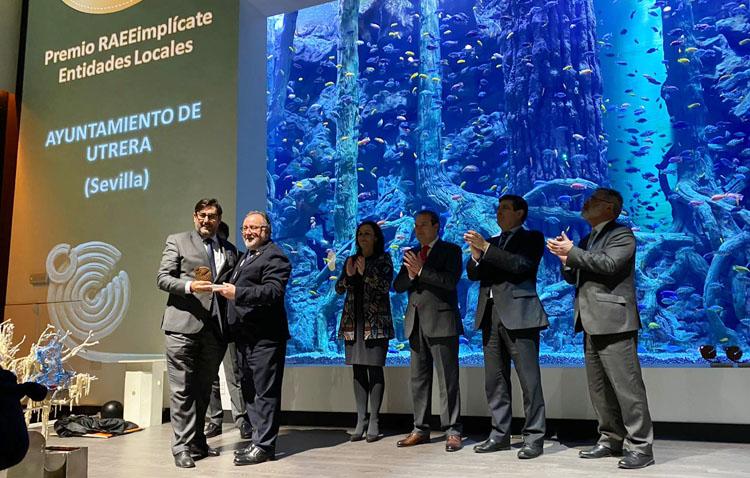 El Ayuntamiento de Utrera recibe un premio por el reciclaje de residuos de aparatos eléctricos y electrónicos