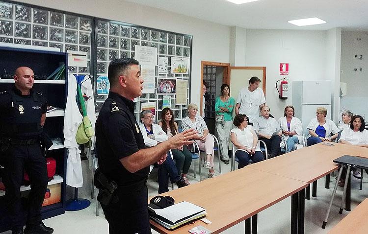 El centro de salud «Utrera Sur» participa en un curso formativo sobre prevención de agresiones