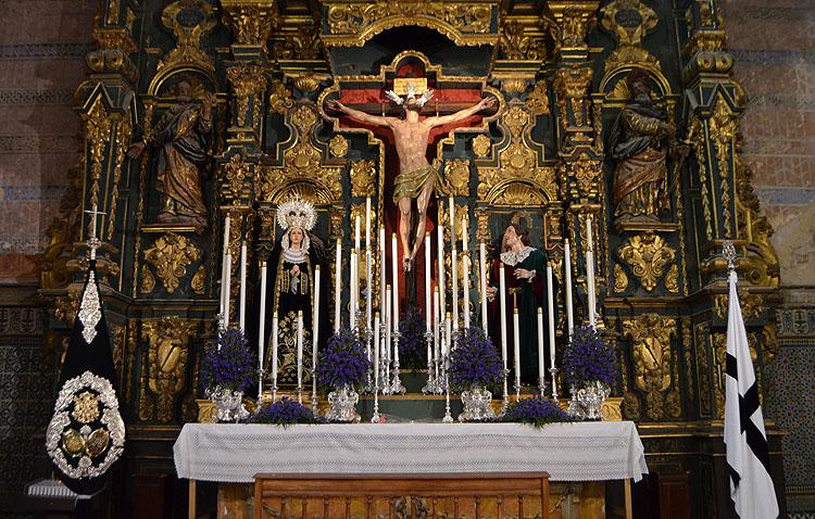 Los Muchachos de Consolación aplazan el besapié al Cristo del Perdón por precaución ante el coronavirus