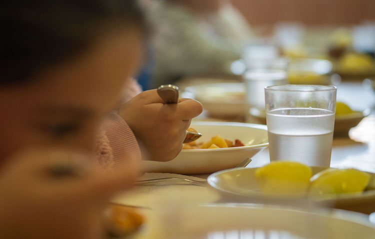 El Ayuntamiento de Utrera amplía el plan de alimentación infantil durante el estado de alarma