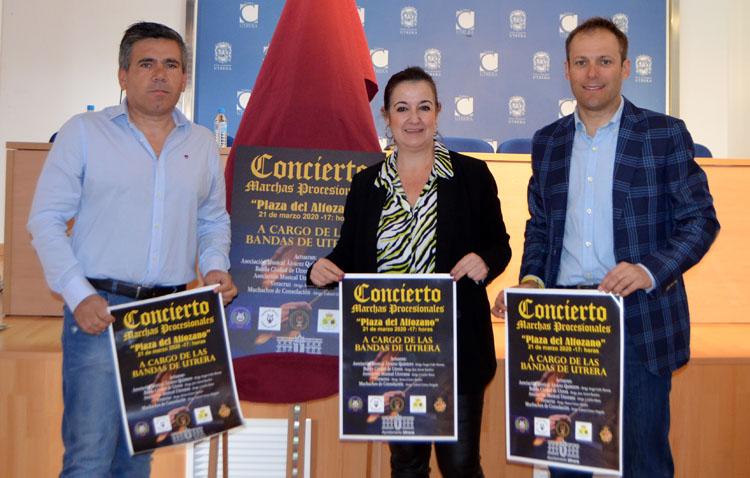 Las cinco bandas de música de Utrera, en concierto en la plaza del Altozano