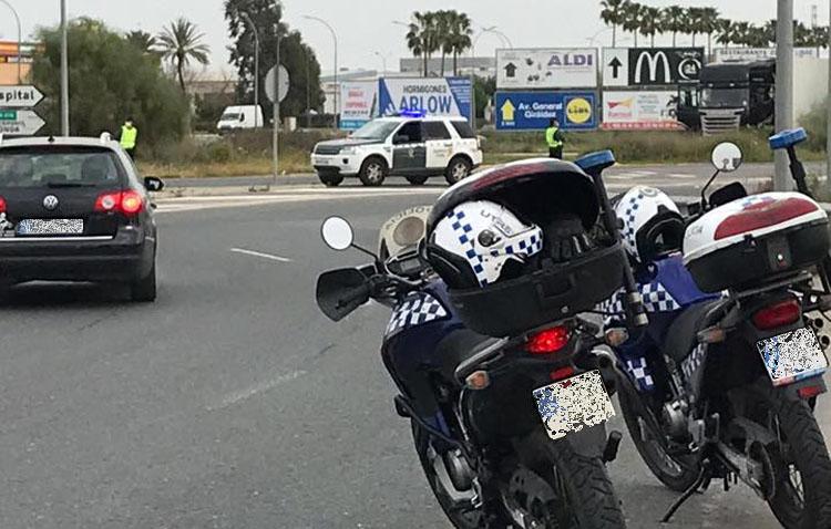 Detenido tras saltarse un control policial en Utrera y huir conduciendo un vehículo sin tener puntos en el carné