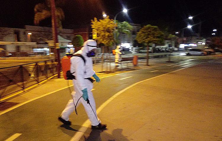 Comienza la desinfección de las calles de Utrera con lejía (VÍDEO)