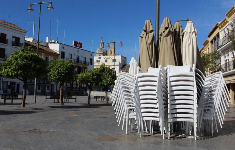 Utrera estudiará flexibilizar la nueva ordenanza de veladores para impulsar la hostelería tras la reapertura de los bares