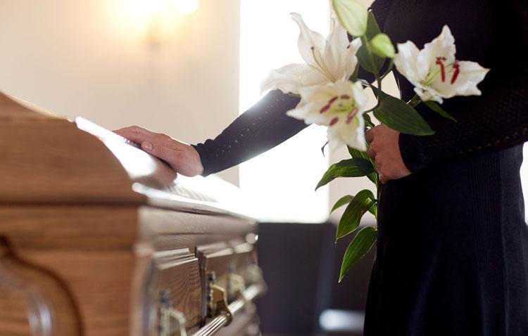 La Archidiócesis de Sevilla suspende los funerales mientras esté decretado el estado de alarma