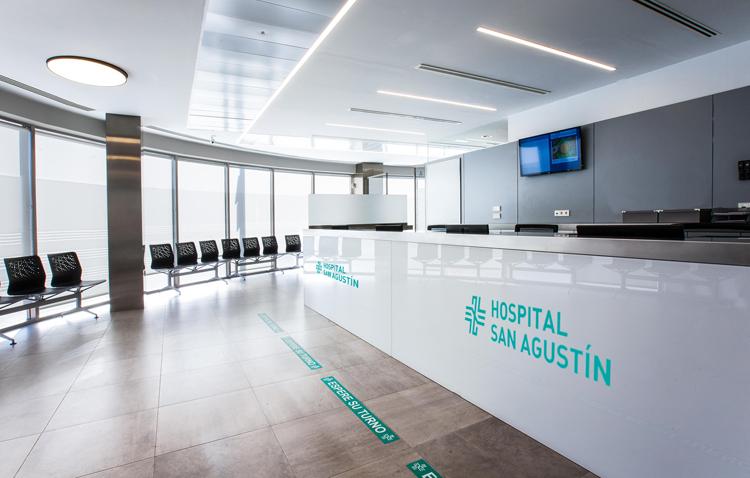 El hospital San Agustín activa un protocolo de seguridad para la recepción de pacientes