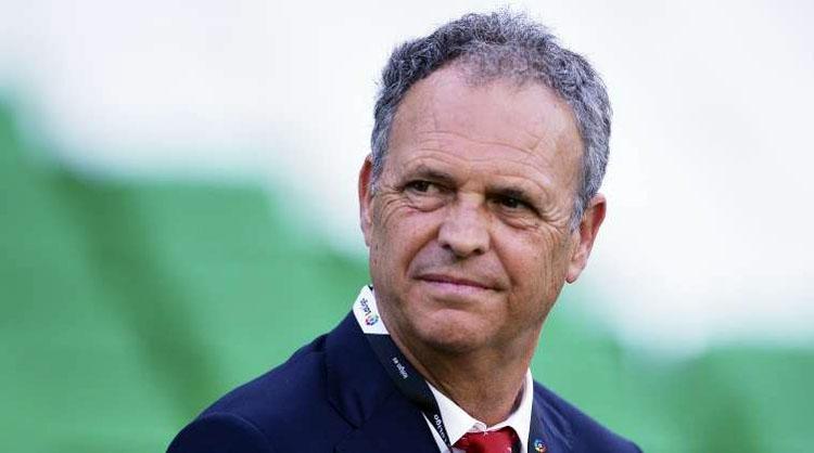 El utrerano Joaquín Caparrós, premio al entrenador del año en Armenia