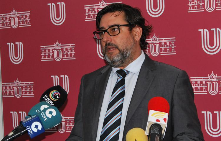 El alcalde de Utrera pide a los ciudadanos que apoyen a la hostelería tras conocerse las medidas restrictivas de la Junta